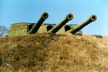 Батарея № 981 (Ворошиловская). 305/52-мм трехорудийная башенная артиллерийская установка МБ-3-12